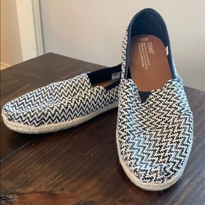 Toms size 10 shoes